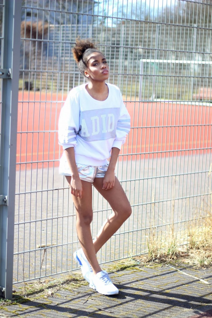 Adidas Originals, fashion, OUTFITS, adidas campaign, Modeblog Deutschland, Fashion Blog Germany, Sportsachen, sportliche Kleidung, sportlook, Leichtathletik, fashionblogger Berlin, Adidas Model, Adidas Neo, Yeezy Shoes, afromodel, afrohaar,