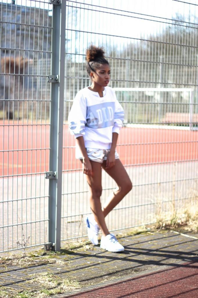 Leichtathletik Berlin, Sportschuhe, Sportsachen, Sportklamotten, Mode Blog Berlin, adidas Originals London pack, Adidas Originals Campaign, Mode Berlin, Streetstyle look, sportlicher look, was anziehen zum Sport?