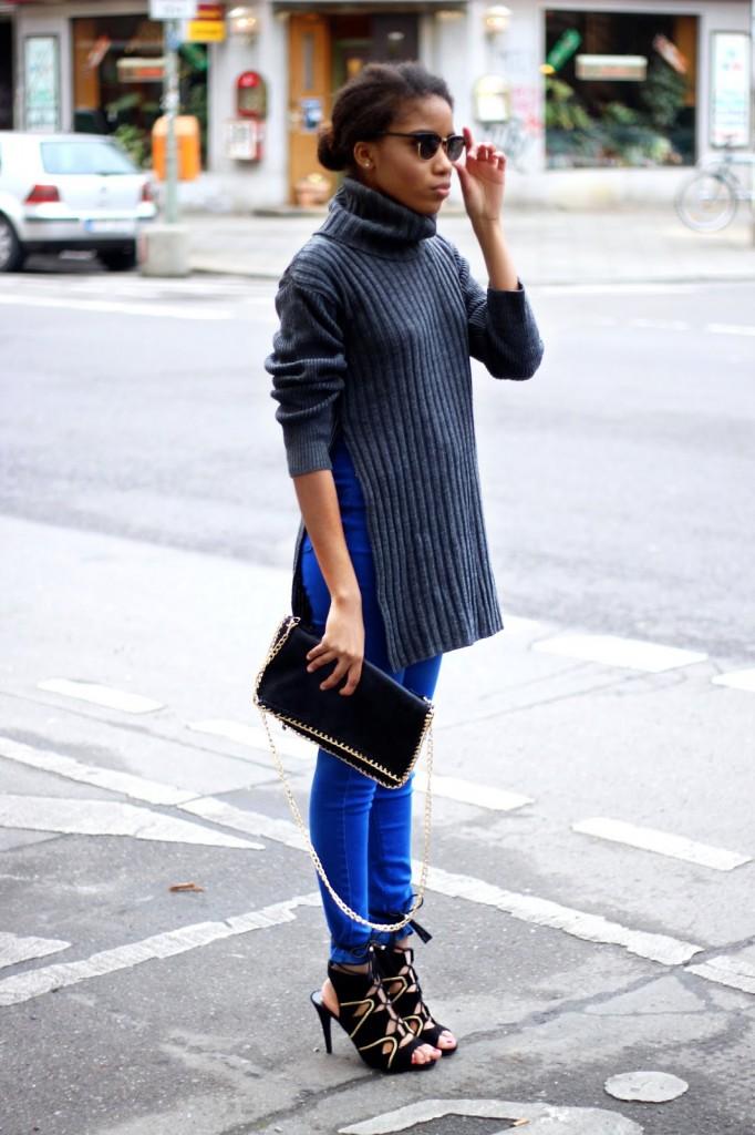Fashion Blog Berlin, Berlin Streetstyle, Streetstyle blogger, blogger from Germany, German Fashionblog, skinny jeans, Zara Mode, black high heels, fashion, fashion inspiration, Rollkragenpullover, grauen Pullover kombinieren, ripped jeans, Jeans mit Knierissen