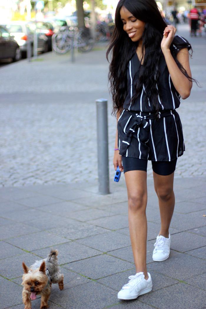 jumpsuit oder Overall mit streifen, schwarz und weiß, mode berlin, Modeblogger Deutschland, Fashion blog, blogger Berlin