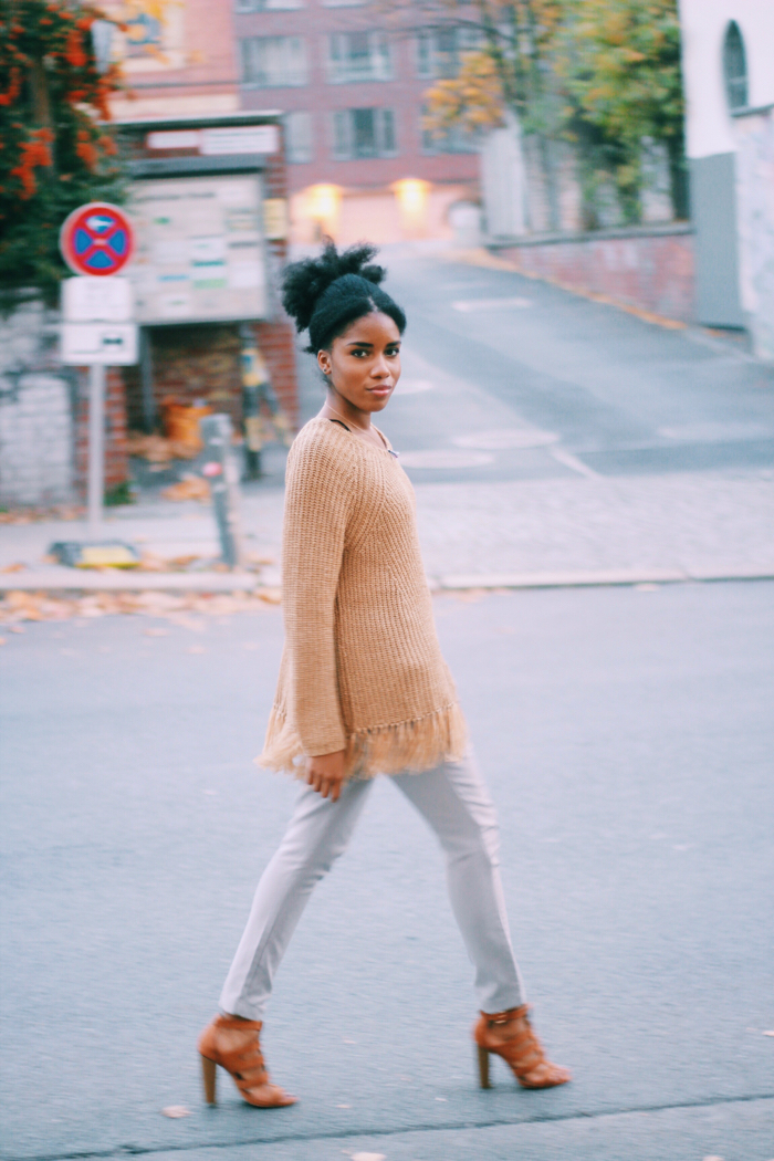 Fashionblog_berlin_streetstyle_brauner_pullover_mit_fransen