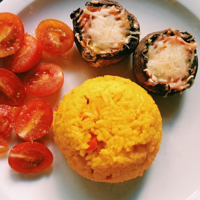 gefüllte Champignons, gefüllte-champignons-Gericht