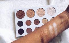 Carli-Bybel-Palette Bh cosmetics Deutschland, swatches on dark skin,