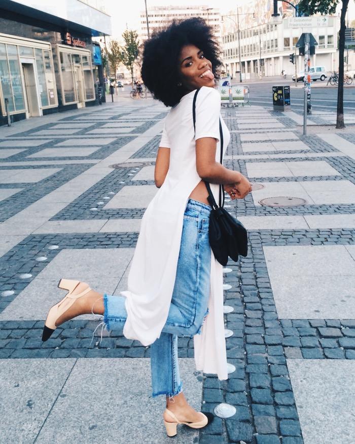 Sommer in Berlin: Sommeroutfit und Aktivitäten, Modeblog-Berlin-Mom-jeans-kombinieren-berlin