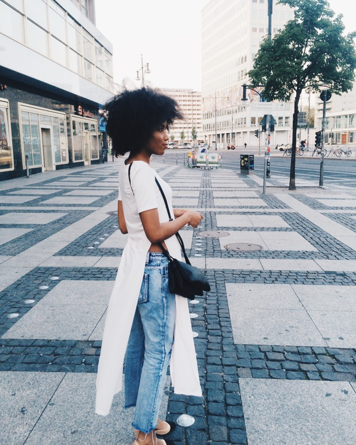 Sommer in Berlin: Sommeroutfit und Aktivitäten, Modeblog-Berlin-Mom-jeans-kombinieren-fashionblog