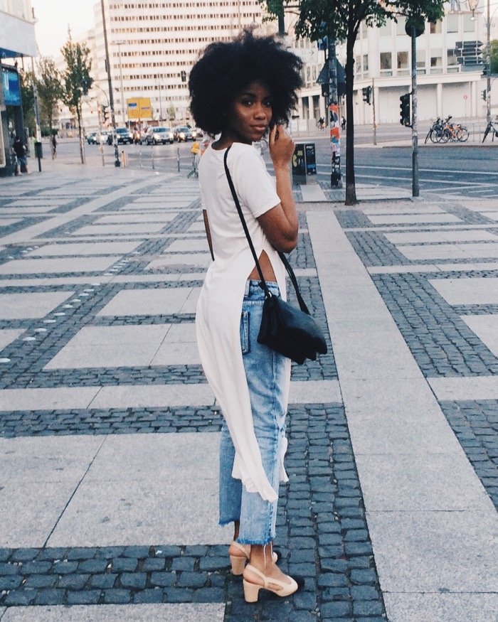 Sommer in Berlin: Sommeroutfit und Aktivitäten, Modeblog-Berlin-Mom-jeans-kombinieren-fashionblogger-deutschland