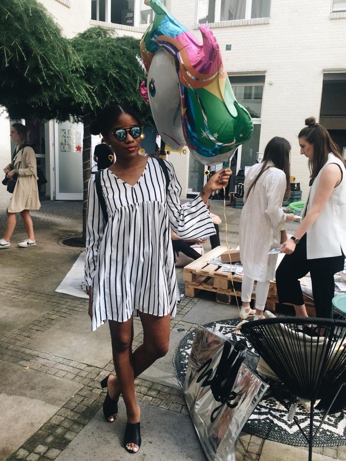 Modeblog Berlin, Fashionblog Deutschland, Streifenkleid, schwarze Mules