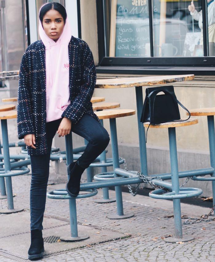 Rosa Hoodie, Influencer-Berlin-Hoodies-kaufen-Modeblog-Deutschland-Hoodies-Rosa