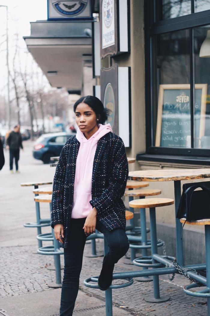 Rosa-HoodieInfluencer-Berlin-Hoodies-kaufen