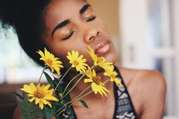 Gelber-Lidschatten-Beautyshooting-Blumenshooting