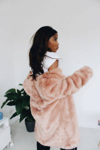 Faux Fur Jacke Nelly Negret Blogger