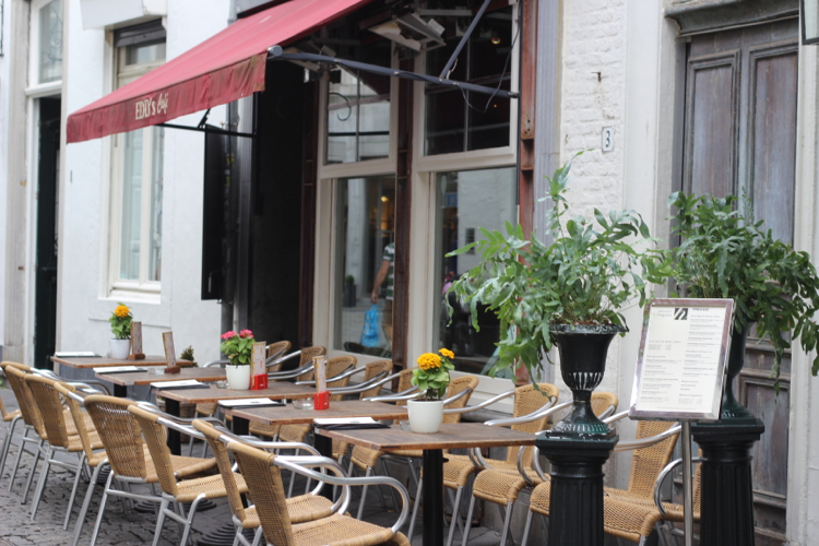 Maastricht, Sightseeing in Maastricht, Maastricht besuchen, Maastricht kleine Straßen und Cafes